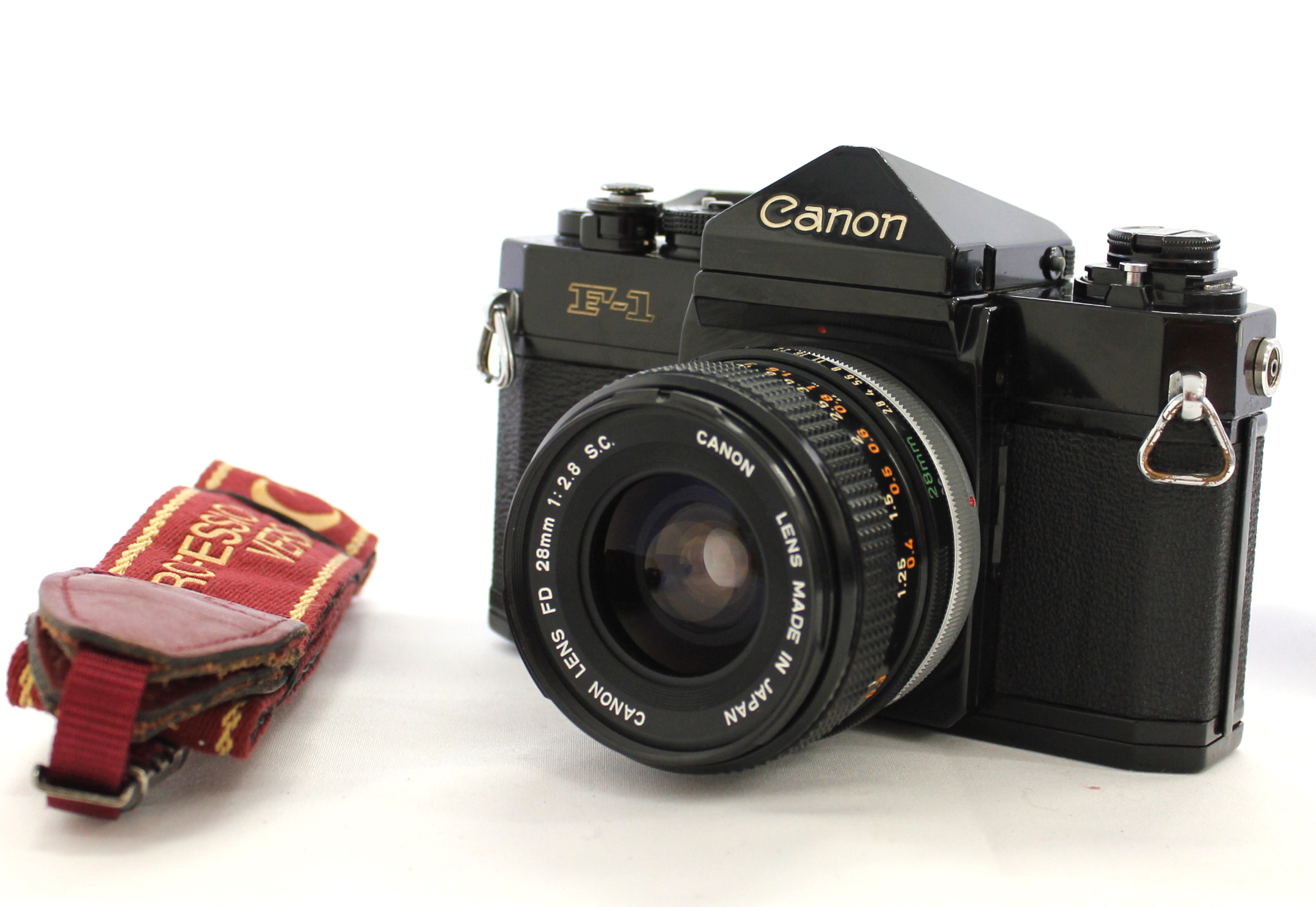 [Excellent++++] Canon F-1 Late Model 35mm SLR Film Camera with FD 28mm F/2.8 S.C. Lens from Japan