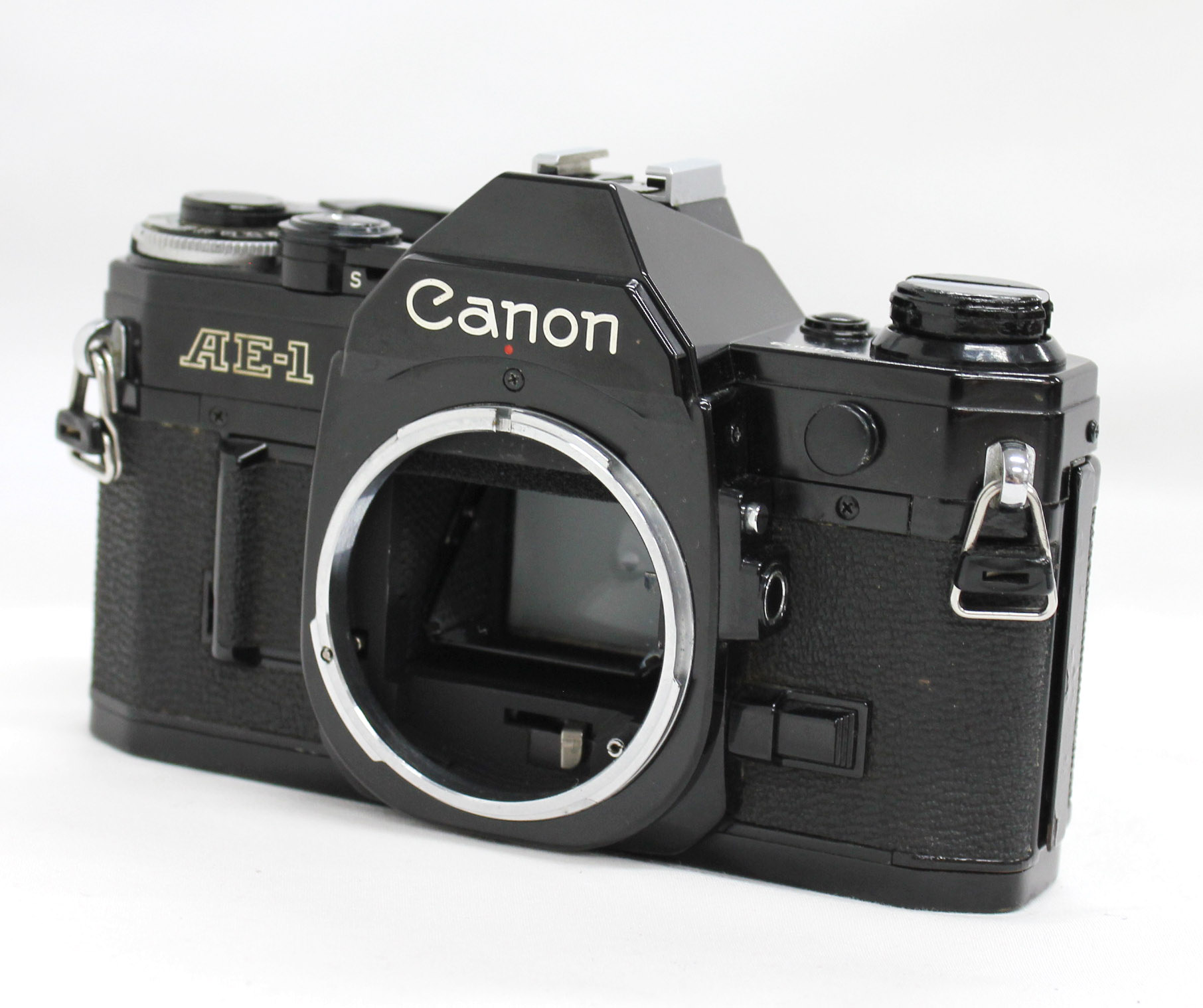 Canon AE-1 35mm SLR Film Camera Black with New FD 35-70mm F/3.5-4.5 Bonus Lens from Japan Photo 1
