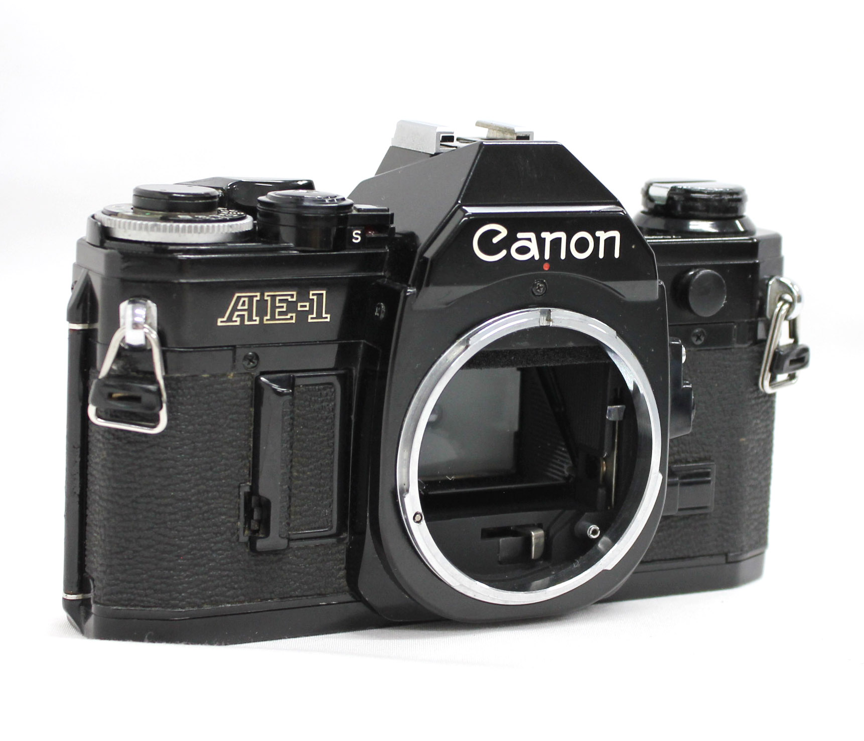 Canon AE-1 35mm SLR Film Camera Black with New FD 35-70mm F/3.5-4.5 Bonus Lens from Japan Photo 2