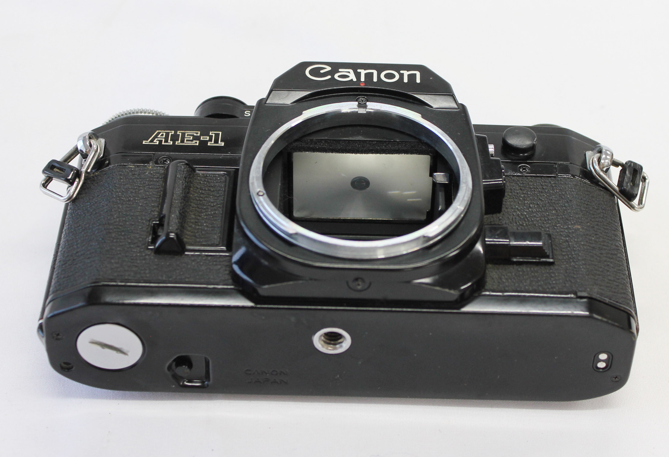 Canon AE-1 35mm SLR Film Camera Black with New FD 35-70mm F/3.5-4.5 Bonus Lens from Japan Photo 9